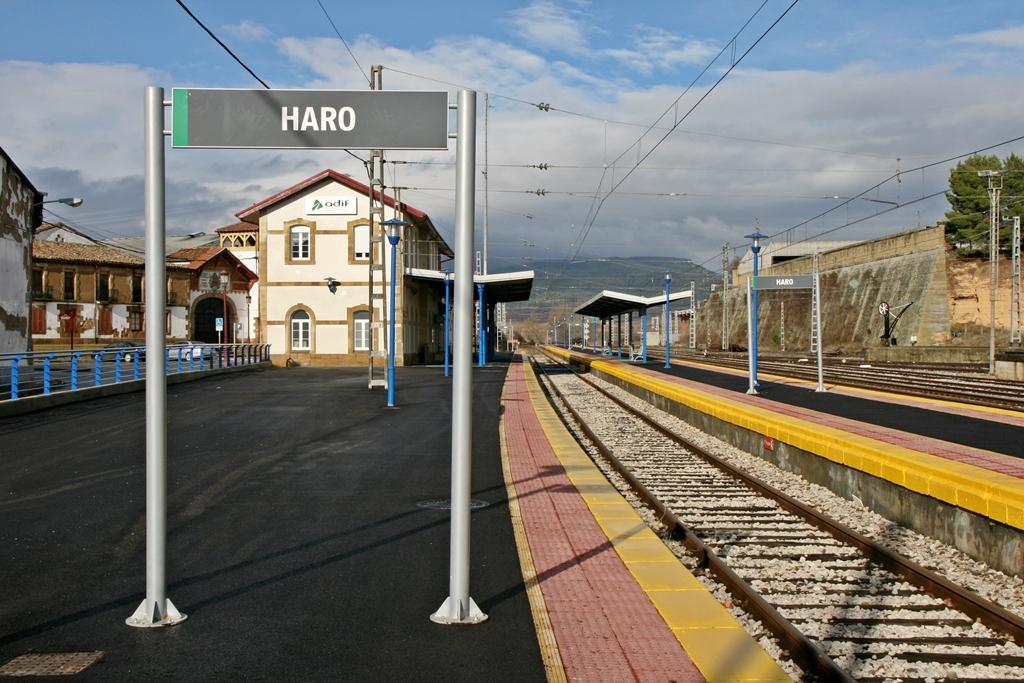 Estacion De Tren De Haro La Rioja Sin Barreras